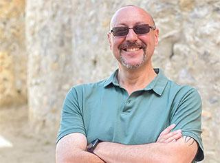 César González profile picture